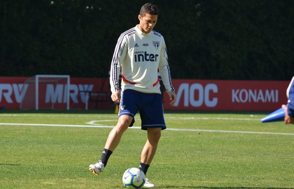 Anderson Martins está sem clube desde que deixou o São Paulo