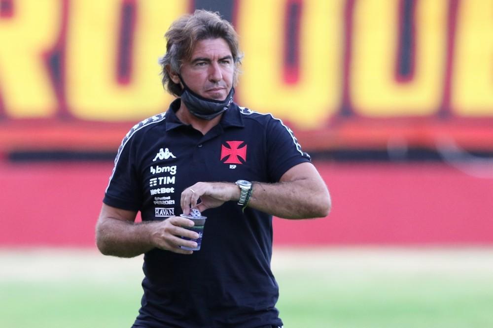 Ricardo Sá Pinto é pressionado pelos maus resultados no Vasco