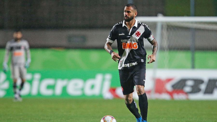 Zagueiro Leandro Castan tem exercido a função de capitão além das quatro linhas no Vasco da Gama