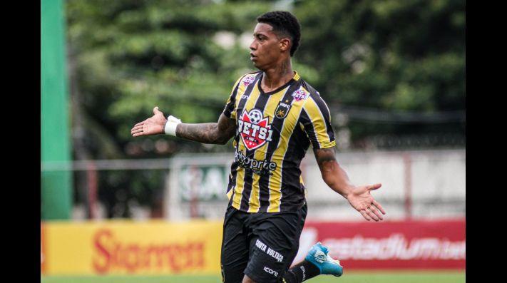 Alef Manga detém média próxima a 1 gol/jogo na temporada 2021