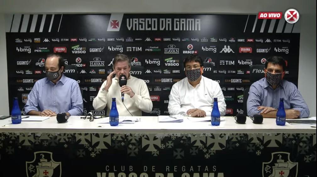Carlos Roberto Osório, Jorge Salgado, Adriano Mendes e Roberto Duque Estrada em coletiva do Vasco