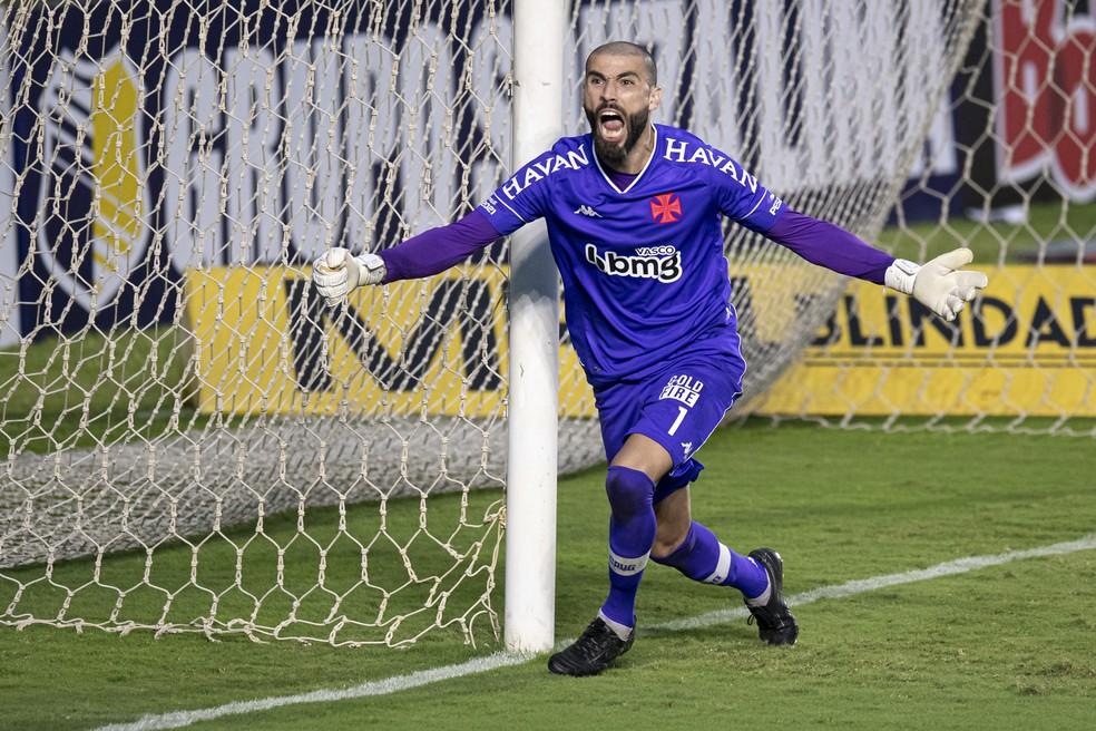 Destaque ao defender três pênaltis na Taça Rio, Vanderlei é um dos nove reforços do Vasco para Série B