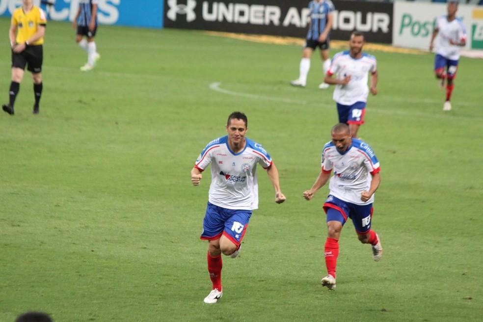Anderson Martins comemora gol contra o Grêmio: jogador fez 10 jogos pelo Bahia