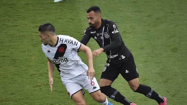 Vasco x Ponte Preta jogaram em São Januário