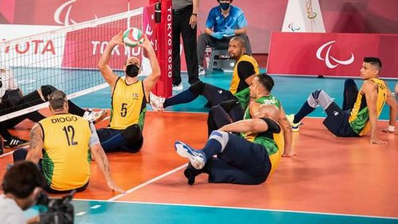 Diogo Rebouças (camisa 12) em ação contra o Comitê Paralímpico Russo
