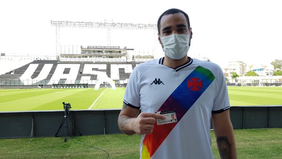 Leonardo Lopes, primeiro torcedor a entrar no estádio para Vasco x Cruzeiro
